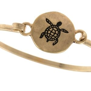 Jewelry - Sea Turtle etched disk bangle bracelet - Gold